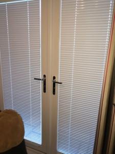 25mm-venetian-intu-window-blinds