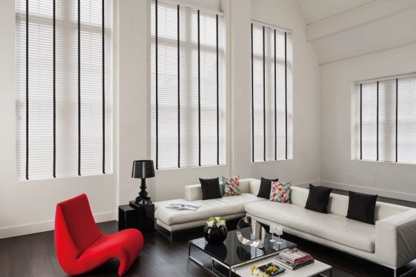 Stark-wooden-blinds-with-Jet-tapes