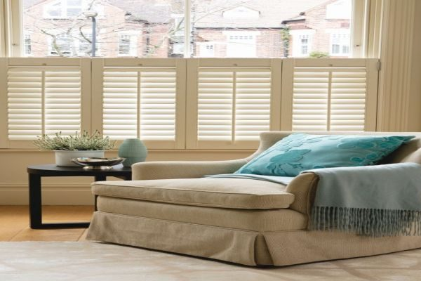 christo-softwhite-cafe-style-window-shutters