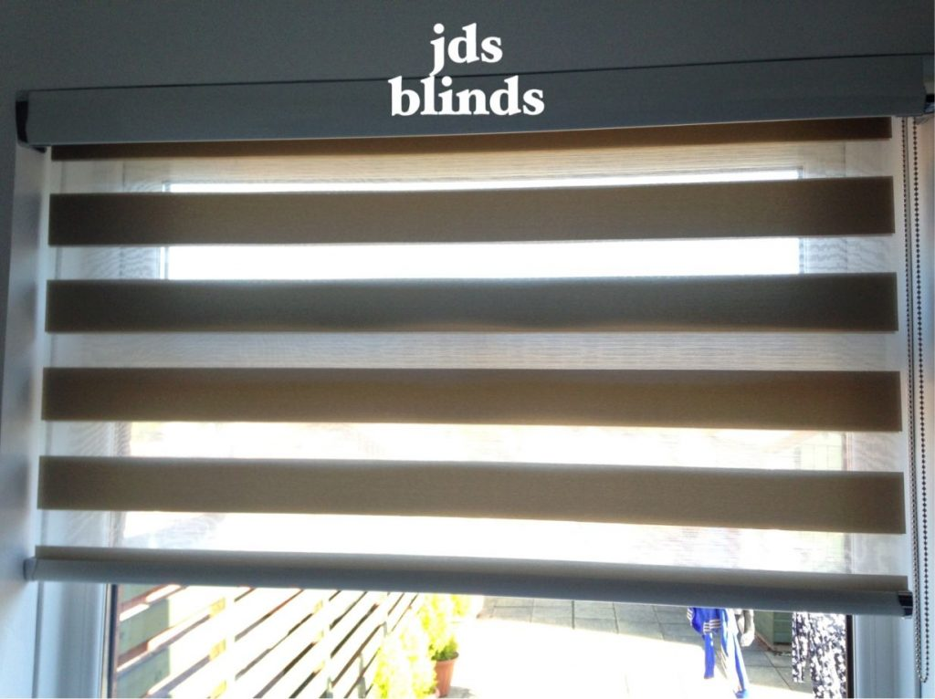 Domestic window blinds fitted window blinds glasgow for Window blinds