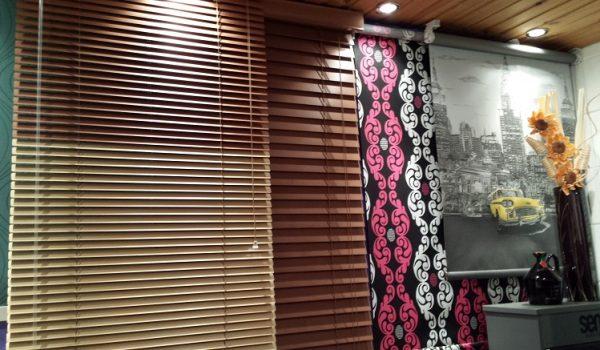 showroom-venetian-window-blinds
